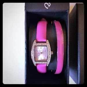 Accessories - PINK WATCH. NEW